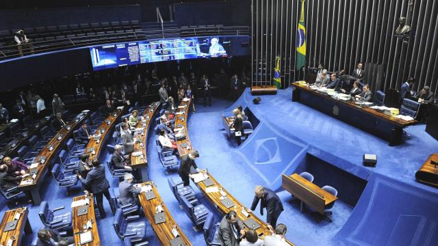 Senado pode votar amanhã projeto das distribuidoras da Eletrobras