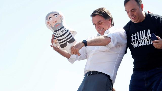 Bolsonaro sugere que grupos supremacistas apoiem Haddad