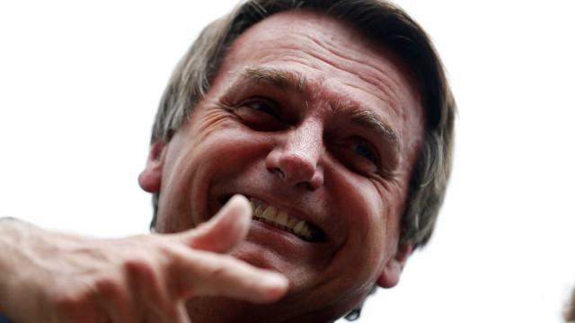 Bolsonaro está tão confiante que já prepara programas para o 2º turno