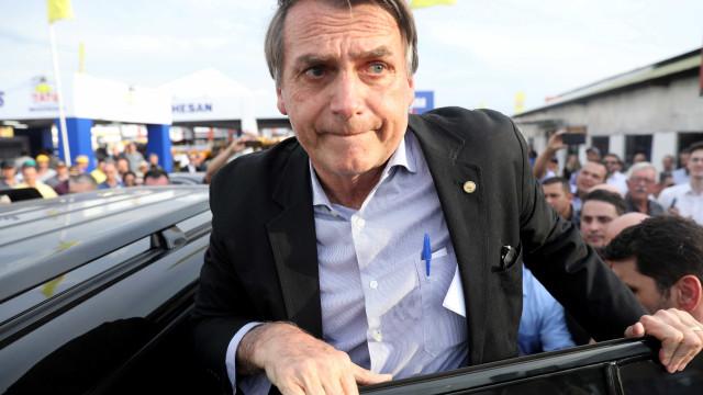 Após ser esfaqueado, Bolsonaro fala pela primeira vez: 'Somos mortais'