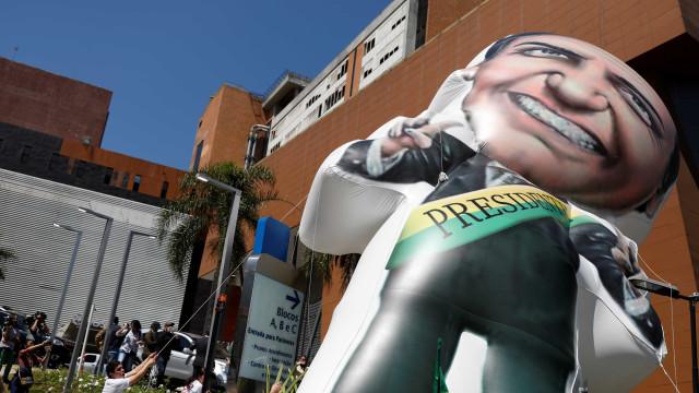 Boatos e teorias da conspiração sobre atentado a Bolsonaro se espalham