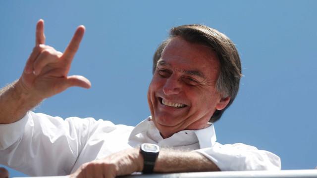Cerca de 30 pessoas fazem ato pró-Bolsonaro em Nova York