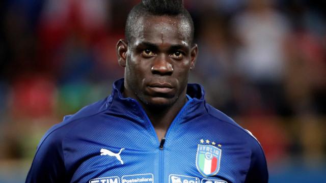 Criticado, Balotelli é cortado da seleção italiana