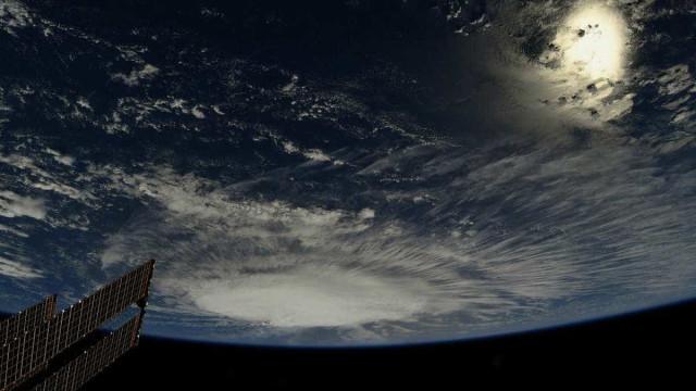 Furacão Florence se fortalece e ameaça costa leste dos EUA