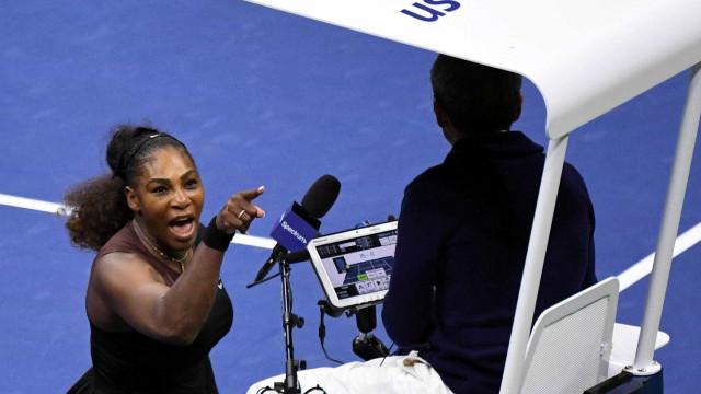 WTA defende Serena após confusão em final e pede mudança em regra