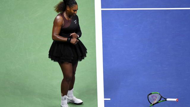 Homens receberam mais advertências do que mulheres no tênis, diz jornal
