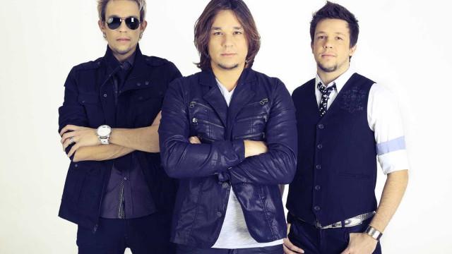 Pai do trio KLB morre e irmãos cancelam show em Curitiba