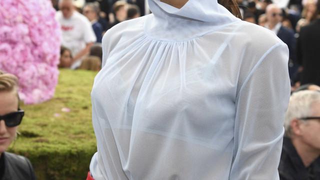 Victoria Beckham prova ser capaz de costurar uma moda sem afetações