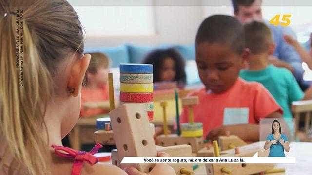 Propaganda de Doria na TV mostra escolas e clínicas dos EUA e Rússia