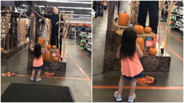 Menina se empolga com música de terror e dança viraliza