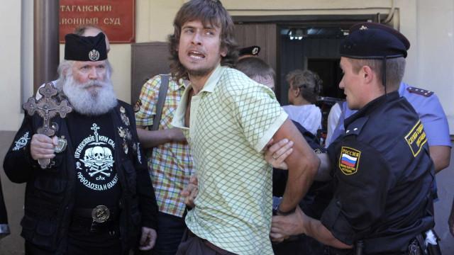 Ativista do Pussy Riot provavelmente foi envenenado, diz médico alemão