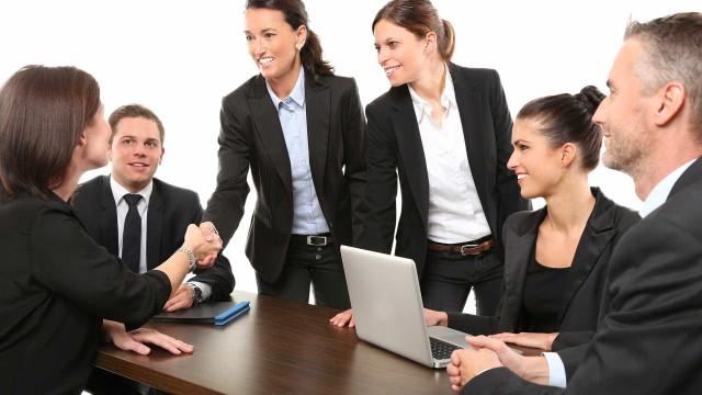 7 erros na hora de se vestir para uma entrevista de emprego