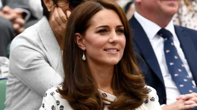 Revista pagará multa por publicar fotos de topless de Kate Middleton