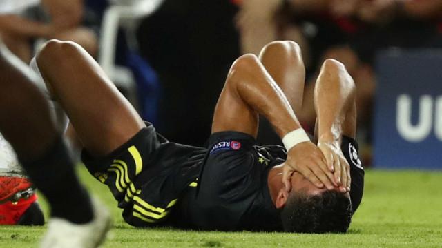 Cristiano Ronaldo é expulso, mas Juventus vence em estreia na Champions