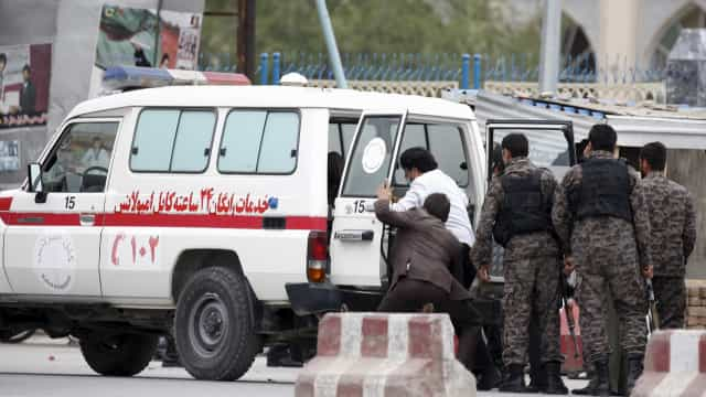 Oito crianças morrem após explosão de bomba no Afeganistão