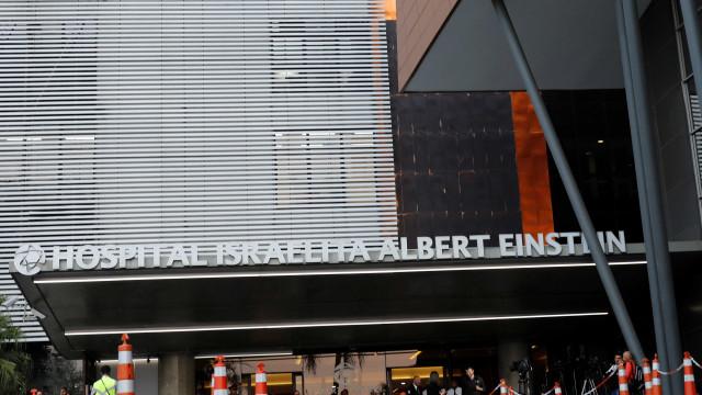Bolsonaro deixa a unidade de terapia semi-intensiva e vai para quarto