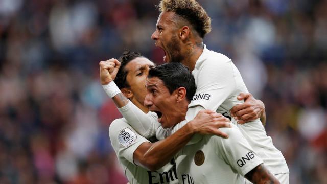 Neymar dá assistência, PSG vence Rennes de virada e segue na ponta