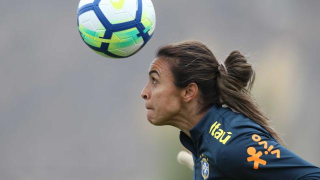 Melhor do mundo, Marta chora ao lembrar preconceito na carreira
