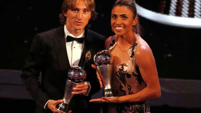 Pelé parabeniza Marta e Modric e fala em 'privilégio de vê-los jogar'