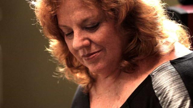 Morre, aos 73 anos, a cantora e multi-instrumentista Luhli