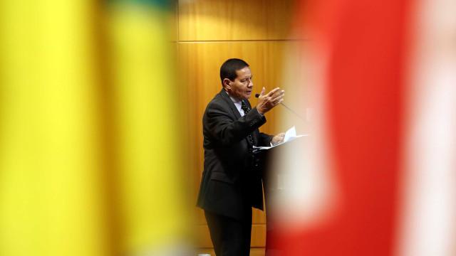Além do 13º, veja outras declarações polêmicas do vice de Bolsonaro