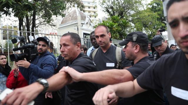 'É tratorar', diz Eduardo Bolsonaro sobre esquerda na Câmara