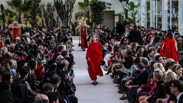 Paris moderniza guarda-roupa clássico sem apelar para a naftalina