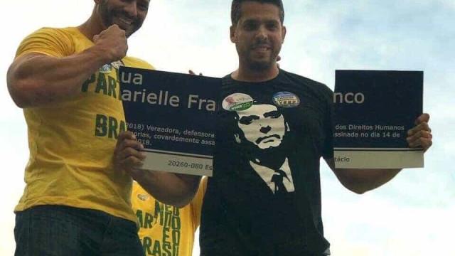 Homem que rasgou placa de Marielle é candidato do PSL de Bolsonaro