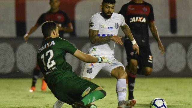 Santos vence a segunda consecutiva e pula para 7º lugar no Brasileiro