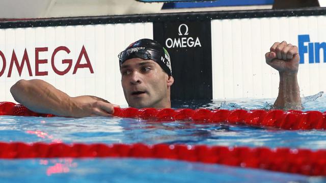 Nadador brasileiro bate recorde mundial que durava 9 anos