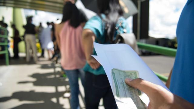 Primeiro eleitor do Brasil estava no local de votação desde ontem