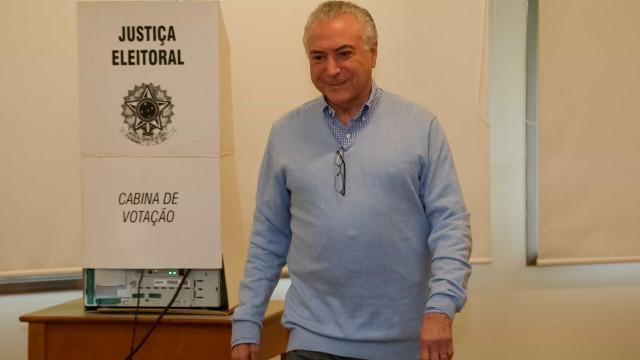 'Poder não será do Bolsonaro nem do Haddad', diz Temer após votar