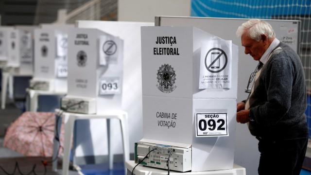 TSE diz que 964 urnas foram substituídas até as 14h