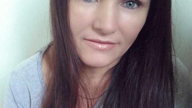 Mulher morre após ser esfaqueada pelo ex-marido em clínica de SC
