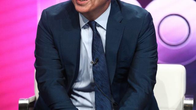 Humorista inglês fala sobre Bolsonaro em programa e faz alerta; assista