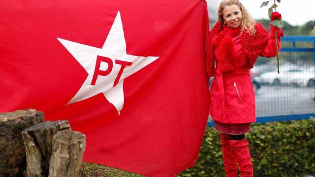 PT perde 15 mi de eleitores, mas segue o partido mais votado