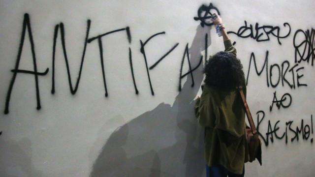 Campanhas políticas multiplicam relatos online de violência
