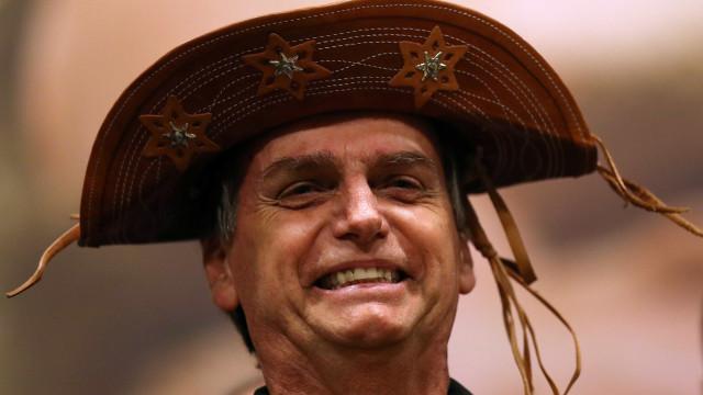 Bolsonaro quer seguir Lula e criar 10 milhões de empregos no país