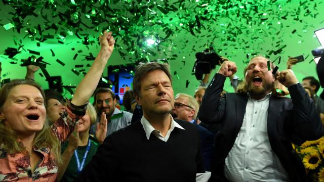 Aliados de Merkel perdem maioria na Baviera