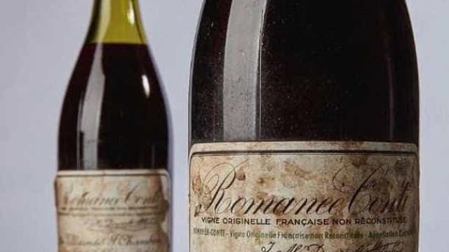 Garrafa de vinho de 1945 é leiloada por mais de R$ 2 milhões