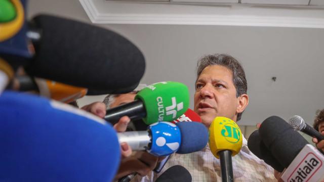 Chapa de Haddad entra com ação e pede inelegibilidade de Bolsonaro