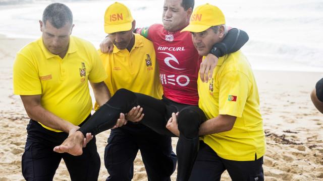 Mineirinho sofre lesão e deixa etapa portuguesa do Mundial de Surfe