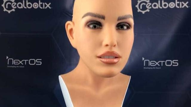 Brasileiros criam robô humanoide para atender em restaurantes e hotéis