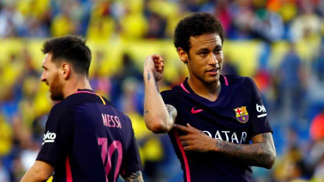 Torcida e elenco dão 'ok' para retorno de Neymar ao Barcelona