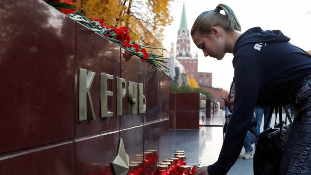 Autoridades da Crimeia procuram possível cúmplice de atirador