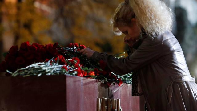 Número de mortos por atirador em escola na Crimeia sobe para 21