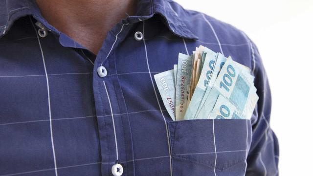 Brasil perde 36 mil milionários em um ano por conta da crise