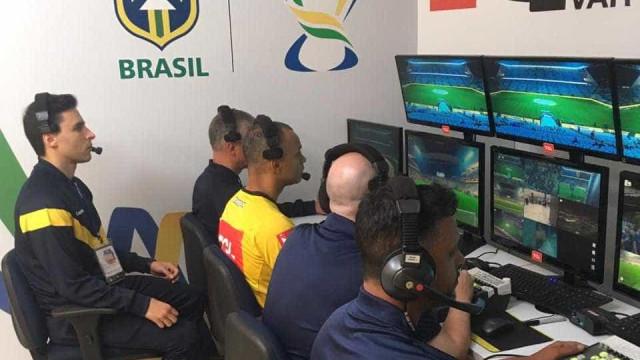Idealizador do VAR no Brasil diz que árbitro da final não errou