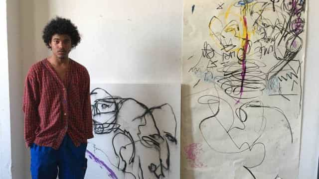 Aos 21, artista recifense expõe violência do Brasil em Nova York