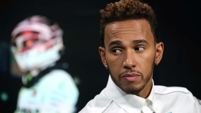 Hamilton admite que sobrenome ajuda, mas vê talento em Mick Schumacher